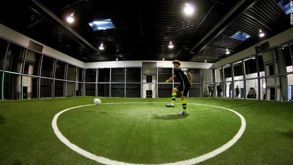 Dünya çempionluğuna aparan yol: Futbol robotu