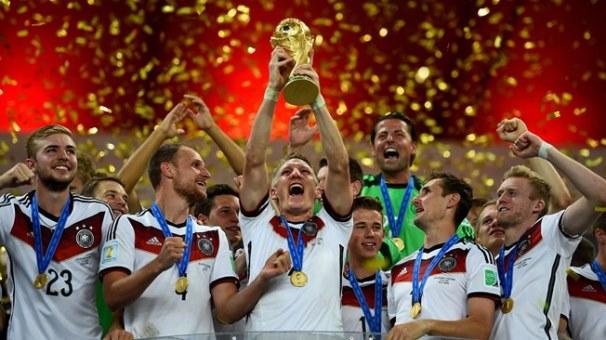 Alman futbolu zirvədə: İslahatlar və