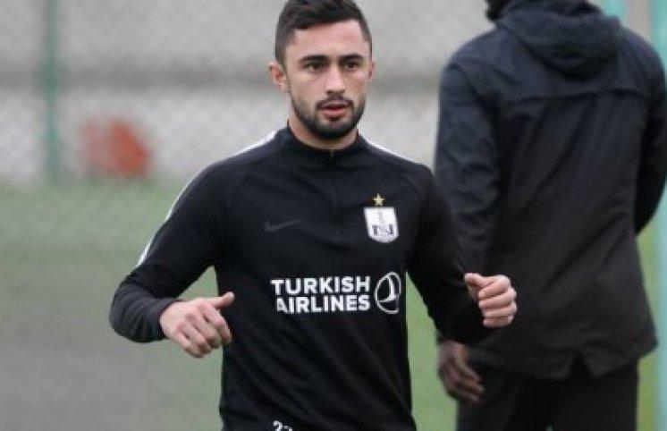 """Millimizin üzvü """"Neftçi""""ni məhkəməyə verir – Azərbaycanda ilk"""