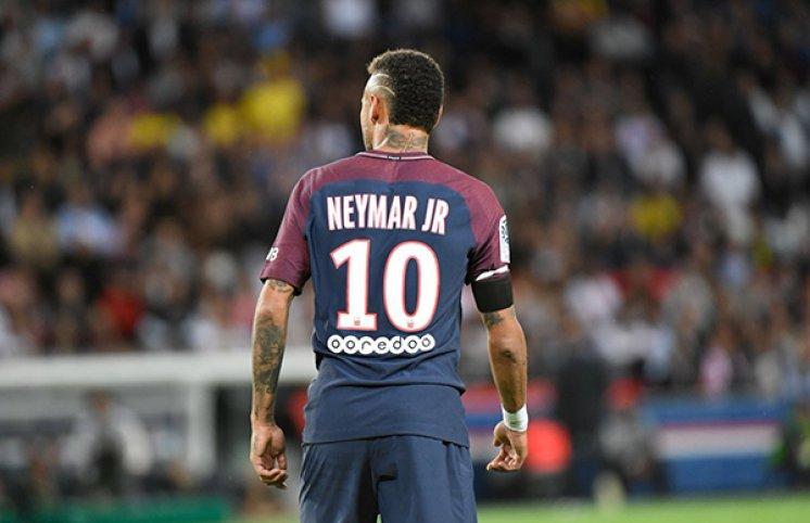 Neymar PSJ-nin düşərgəsində (FOTO)